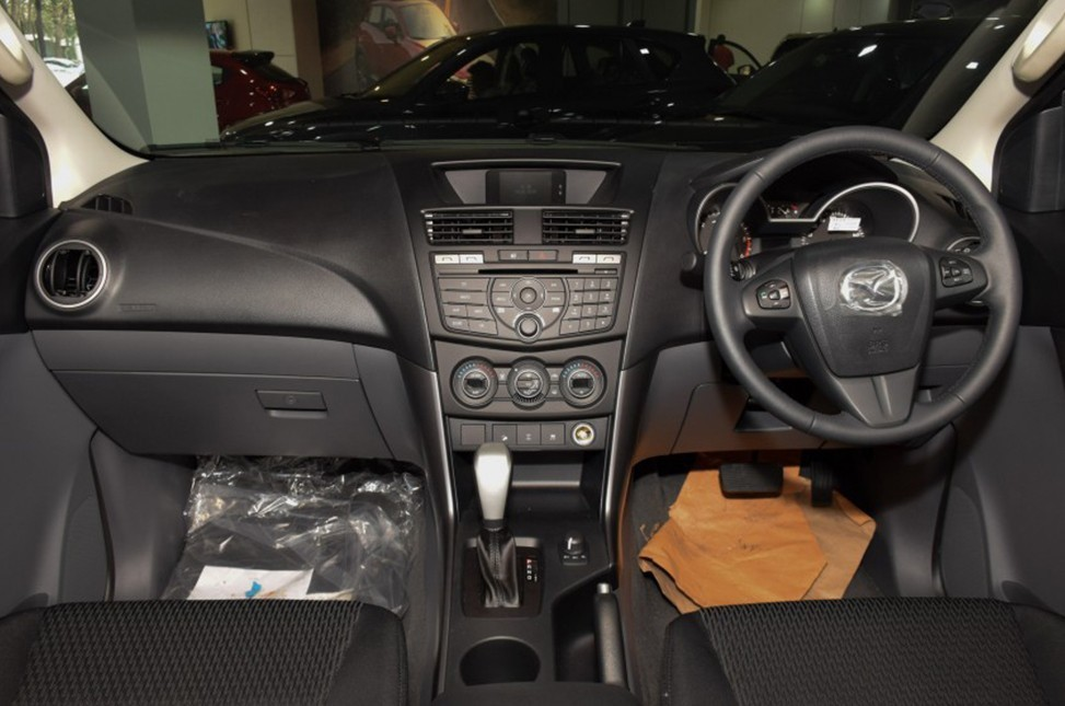Giá Xe Mazda BT-50 2.2 Luxury AT